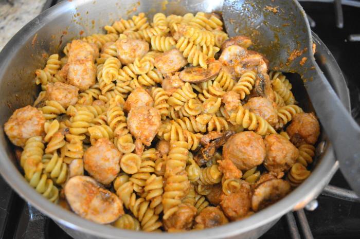 The sausage, mushroom and sun-dried tomato pesto pasta all done!