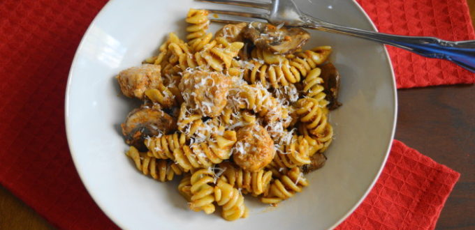 Sausage, mushroom and sun-dried tomato pesto pasta