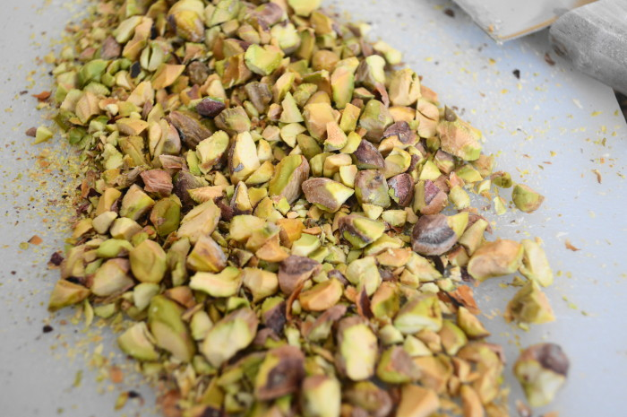 I LOVE the color of pistachios!