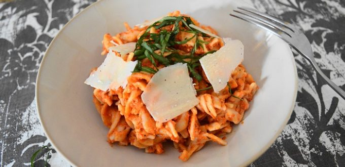 Smokey roasted red pepper pasta