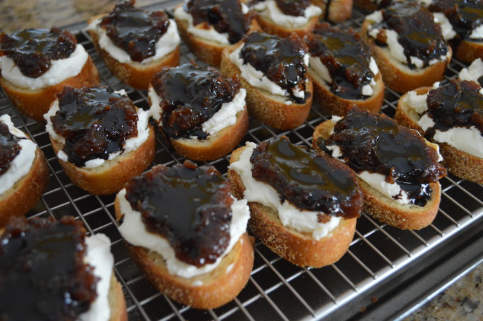 The finished goat cheese, fig and balsamic crostini.