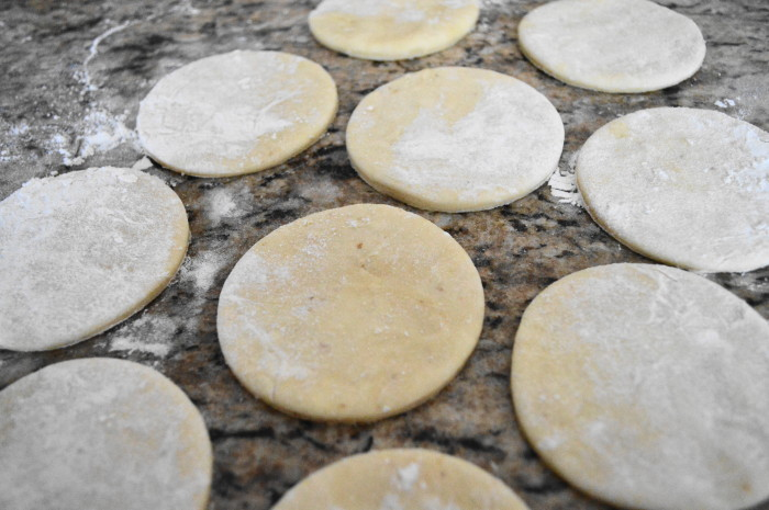 Pretty little discs of Lebanese pastry dough!