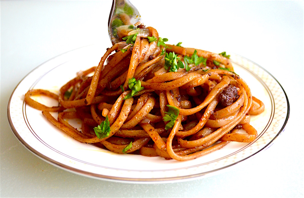 Beefy Red Wine Linguini