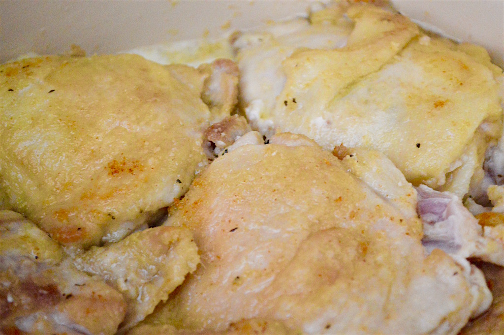 I also remembered that she dredged her chicken in flour before browning it. That was going to give the chicken a fantastic coating and texture before going in the sauce! I decided to use chicken thighs because they are so juicy and impossible to dry out. They're also the most economical! I also seasoned my flour dredge with lots of garlic powder, dried onion and dried basil.