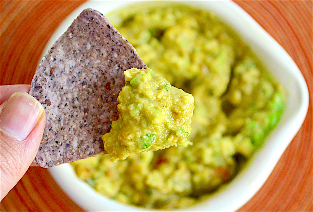 Easy Smokey Guacamole