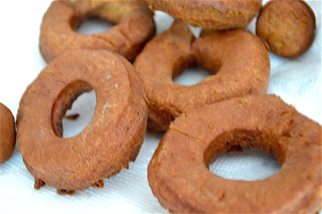 Then all I had to do was fry up my apple cider donuts in batches! They only took about a minute on each side to get gorgeously puffy and golden. I drained them on a plate lined with paper towel when they were done.