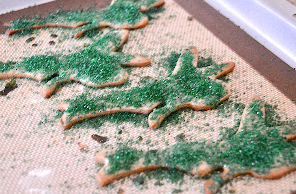 The gingerbread fairies baked for 10-12 minutes. Oh my goodness did they make the house smell like the Holidays! They almost looked too cute to eat.