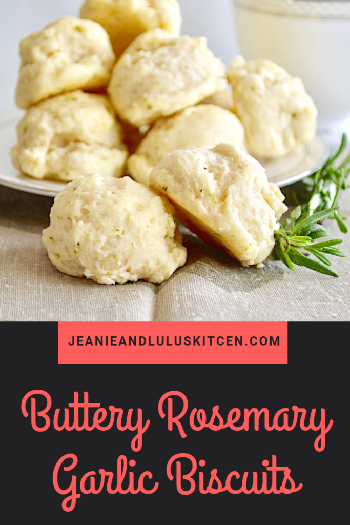These are such fluffy and wonderful buttery rosemary garlic biscuits that make a perfect, simple side on the table. #biscuits #rosemary #garlic #sides #jeanieandluluskitchen