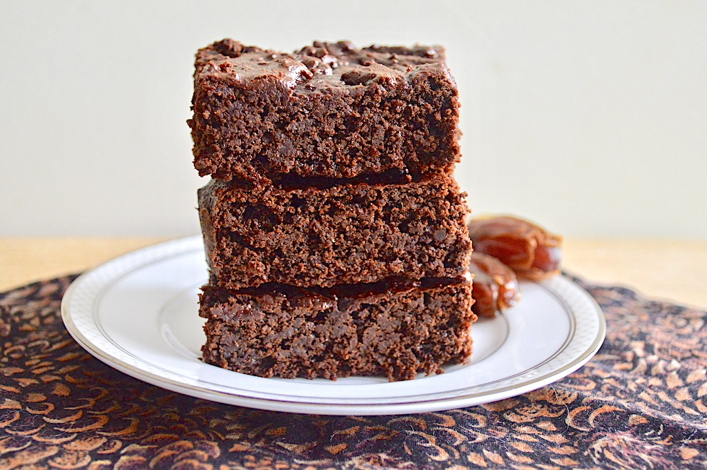 Healthy Date Brownies