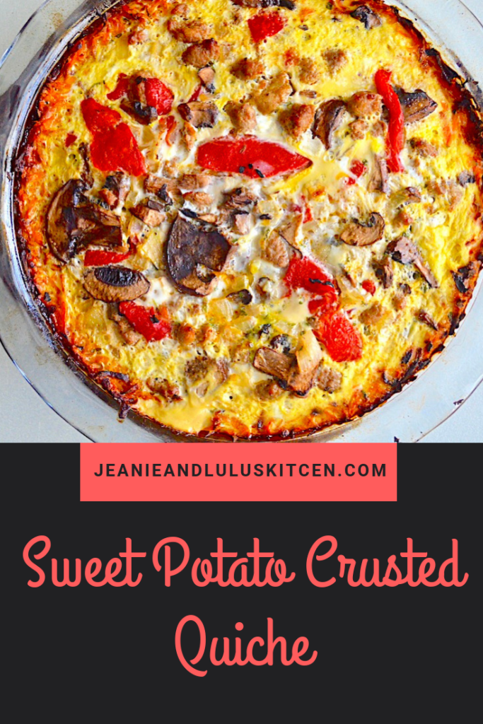 This sweet potato crusted quiche is so satisfying but still lean for breakfast or any time of day with lots of turkey sausage and veggies! #lowcarb #quiche #sweetpotato #sweetpotatocrustedquiche #jeanieandluluskitchen