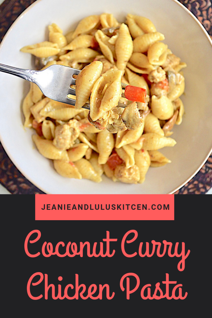 This coocnut curry chicken pasta has such gorgeous, warm flavor with a silky sauce and lots of vegetables for a complete and simpel meal! #pasta #chicken #curry #coconutcurrychickenpasta #jeanieandluluskitchen