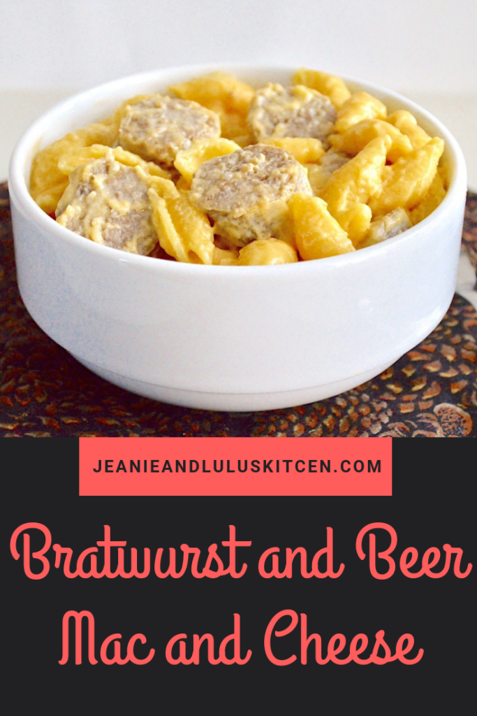 This bratwurst and beer mac and cheese is inspired by the great flavors of Oktoberfest! It is pure comfort for the cooler weather this fall. #macandcheese #dinner #comfortfood #pasta #bratwurstandbeermacandcheese #jeanieandluluskitchen
